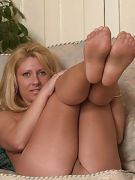 So pantyhose girl